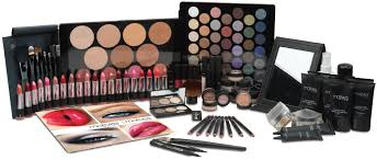 what motives cosmetics kits are