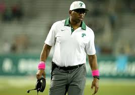 Bears hire former Tulane head coach Curtis Johnson to coach receivers -  Chicago Tribune