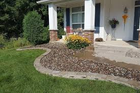 Edging Rock Mulch Fencing Services Walker Landscaping
