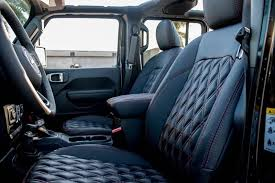 interior leather of jeep wrangler jl