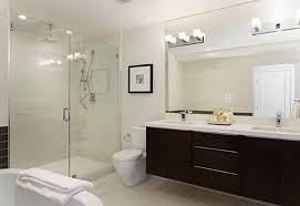 super bright bathroom ideas with splash