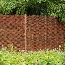 Forest 6 X 6 Willow Hurdle Decorative Screen 1 8m X 1 8m Buy Fencing Direct