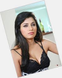 Pictures of Aarti Mann