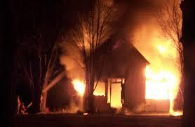 Resultado de imagem para icasa pegando fogo