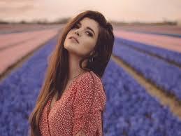 صور بنات الفيس بوك الجديدة Girl Flower Field 4k صور بنات كيوت
