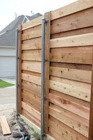 The Backyard A New Horizontal Fence Hi Sugarplum Fence Design Diy Privacy Fence Horizontal Fence