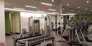 use gym wall mirrors to attract new