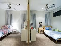 Children S Room Bedroom Design Idea With Carpet Sliding Doors Using Neutral Colours Bedroom Photo 517 Bedroom Divider Kids Rooms Shared Kids Shared Bedroom