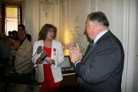 Yvette Schmidt reçoit la Légion d'Honneur