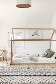 Gender Neutral Kids Bedroom Soothing Colors And Warm Wood Tones Make This Bedroom A Calming Plac Gender Neutral Bedroom Kids Neutral Kids Bedroom Kids Bedroom