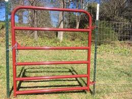 Hang A Gate From A Metal T Post Low Cost Farm Or Garden Fencing System Hang Agate In 3 Minutes Dog Fence T Post Fence Farm Gate