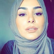 Les stars voilées de la « mode islamique » – Un si Proche Orient