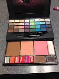 e l f studio makeup clutch palette