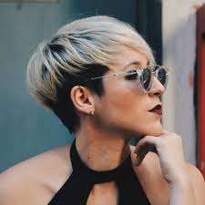 10 short hairstyles for women over 40