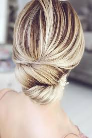 easy updo ideas that you can try