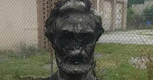 FACT CHECK: Was a Bust of Abraham Lincoln Vandalized in Chicago in ...