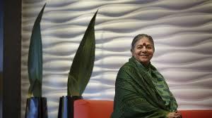 """Vandana Shiva: """"El patriarcado destruirá el planeta si no lo frenamos"""""""