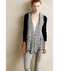 Anthropologie(アンソロポロジー)の「Field Flower by Wendi Reed Stamped Jacquard  Cardigan(カーディガン)」 - WEAR