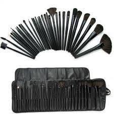 mac 32 pcs brush set with black pouch