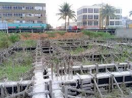 Abandonada, obra do Hospital Regional de Ariquemes vira piscinão ...