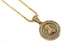 medallion pendant necklace in 18k gold