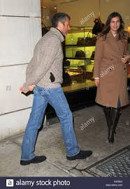Roman Abramovich with his girlfriend, Dasha Zhukova. Roman Abramovich with  his girlfriend, Dasha Zhukova, leaves lunch… | Shopping, Madison avenue,  Russian american