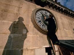 clocks go forward in Ireland in 2019 ...