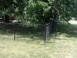 Residential Chain Link Fence Robinson Fence Springfield Mo Wood Fencing Chain Link Fencing Vinyl Fencing Commercial Fencing Ornamental Fencing