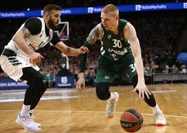Aaron White reportedly close to signing with Armani Milano ...