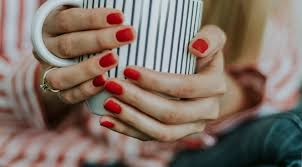 how sns and dip powder manicures saved