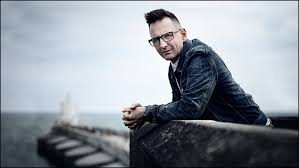 "Martin Smith Drops Second Single And Video For ""Fire's Gonna Fall ..."