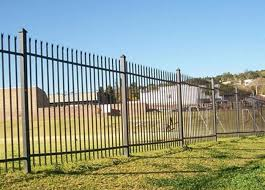 Free Standing Metal Palisade Fencing Decorated For Buildings Courtyard 100x55mm Post