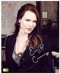 Erin Cummings Autographed 8x10 Detroit 1-8-7 Dr. Abbey Ward Photo at  Amazon's Entertainment Collectibles Store