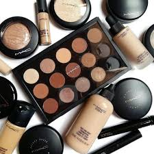 24 shads m a c professional makeup rs