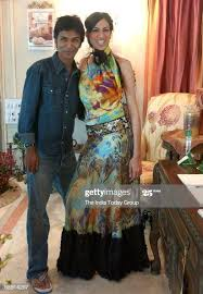 Model Francesca Smith with Designer Vikram Phadnis wearing clothes... News  Photo - Getty Images
