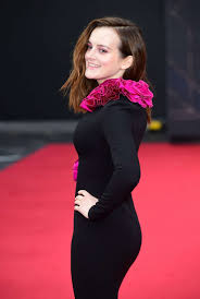 Photos : Sophie McShera – Red carpet at Downton Abbey Premiere in London -  Celebrity.tn - N°1 Official Stars & People Magazine, Wiki, Biography & News