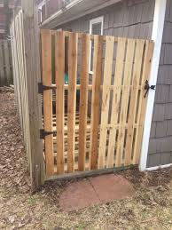 Pin By Rosa Chew On Home Decor And Diy Projects Pallet Projects Diy Garden Pallet Fence Pallet Projects Diy Easy