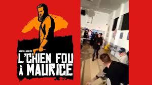 Le Chien Fou à Maurice - Ivan Sullivan