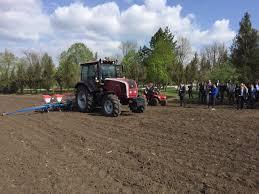 Presedintii-tractoristi - Igor Dodon si Aleksandr Lukasenko au ...