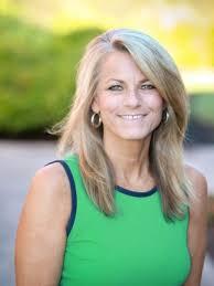 Gayle Morris | Dougall Conradie LLC and Wealth Advisors NW