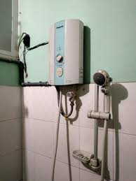 Thanh lý máy nước nóng Panasonic có bơm trợ lực - chodocu.com