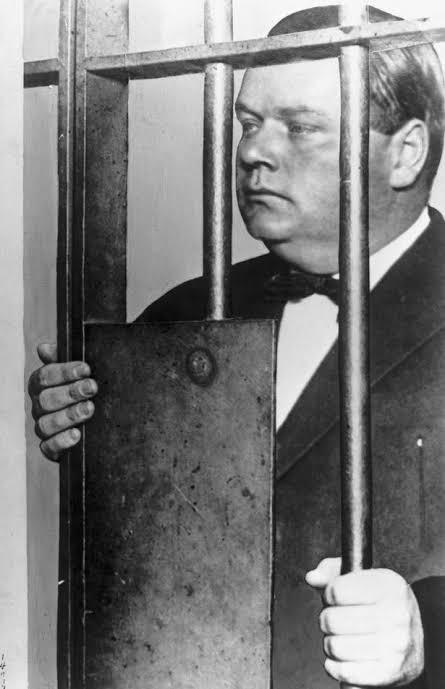 """Resultado de imagem para roscoe fatty arbuckle jail"""""""