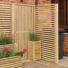 Rowlinson 3 X 6 Horizontal Wooden Garden Slat Screen Pack Of Two 0 9m X 1 8m Buy Fencing Direct