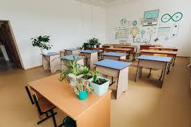 В Бурятии школы с количеством учащихся свыше 1000 детей переходят на  частичное дистанционное обучение