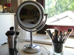 which light is best for makeup heser
