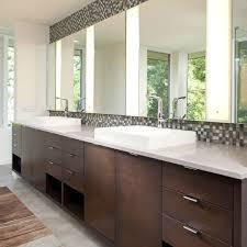 13 beautiful mirrored bathrooms