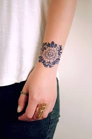 Delfts Blue Round Flower Tattoo Tatuaze Na Nadgarstku Tusz Do