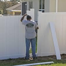 Custom Metal Vinyl Fence Install In Homosassa Fl Fence Contractors