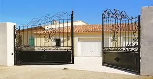 The Pros And Cons Of Metal Gates Vs Wood Gates