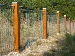 Hog Panel Fence Clips Fence And Gate Ideas Installing Wire Hog Panel Fence In 2020 Cattle Panel Fence Rustic Fence Hog Panel Fencing